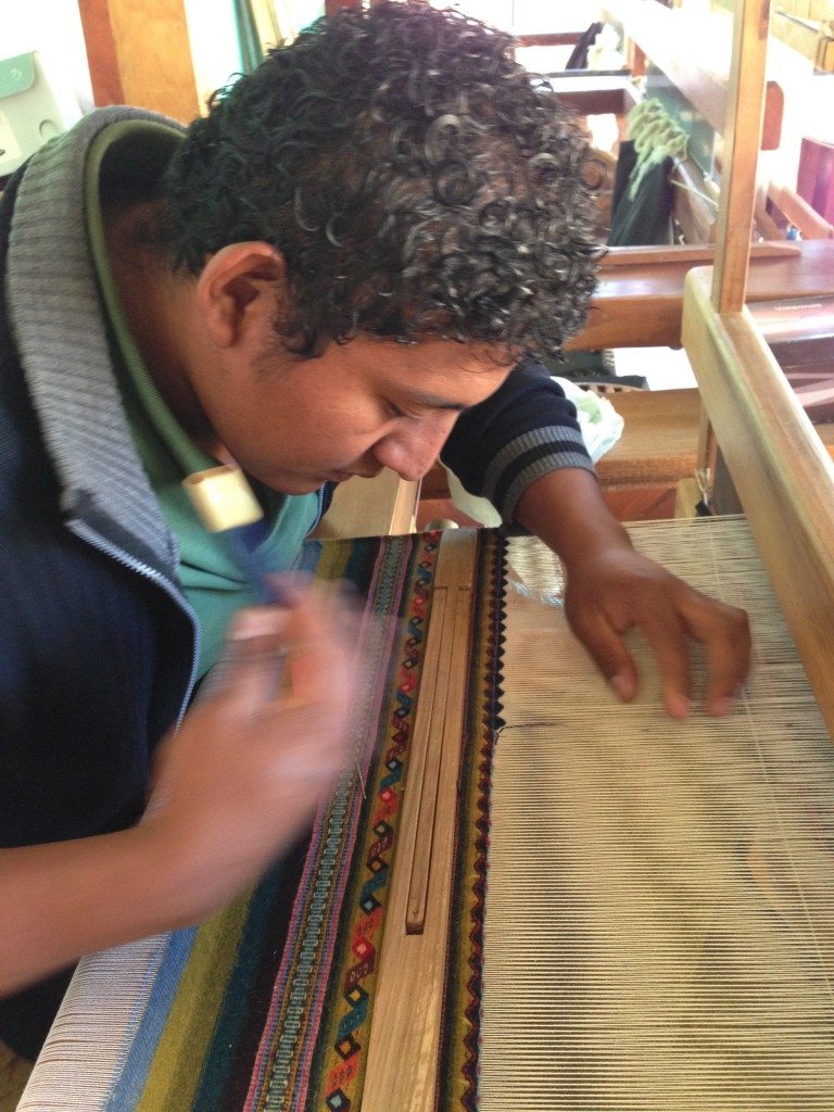 Weaving the rug